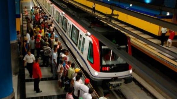 Gonzalo promete pasajes gratis para estudiantes en el Metro, teleférico y Omsa