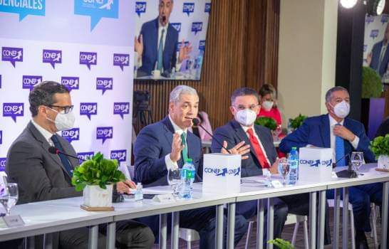 Gonzalo pide a empresarios trabajar unidos con el Estado para salir de la crisis