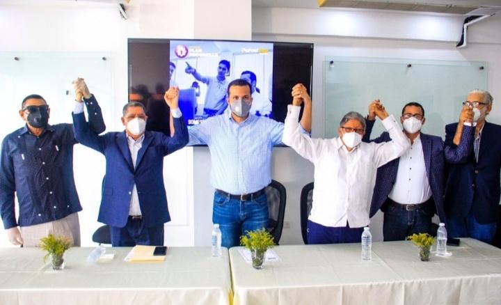 Rafael Paz recibe apoyo de movimiento Universitarios Con Gonzalo