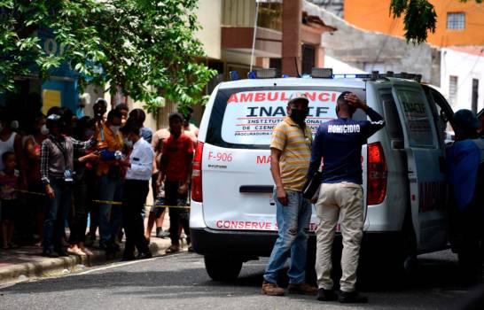 Matan joven de una puñalada al salir tribunal menores de Santiago en litis por un niño