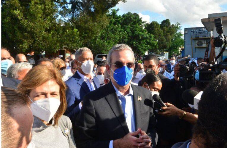 Abinader promete terminará hospital Cabral y Báez a fin de año con presupuesto existente