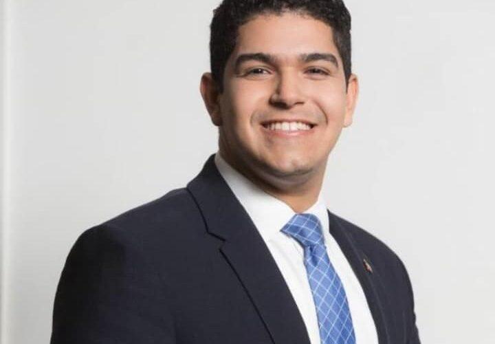 10 razones por las que Eddy Olivares debe presidir la JCE