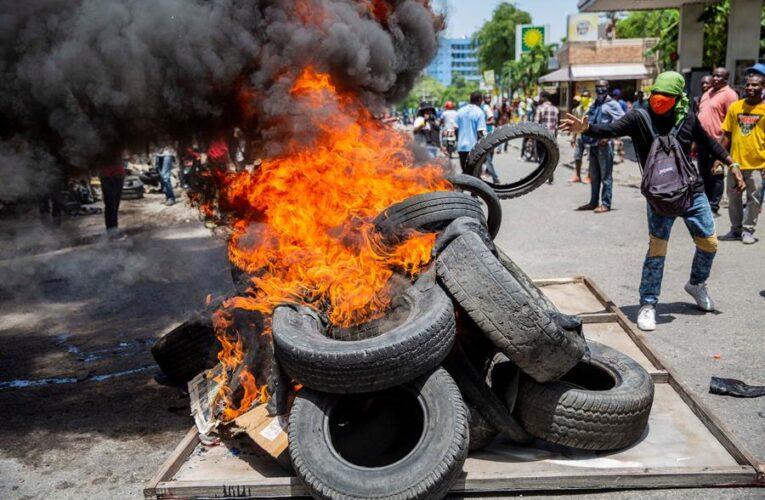 Policías haitianos paralizan Puerto Príncipe en segunda protesta