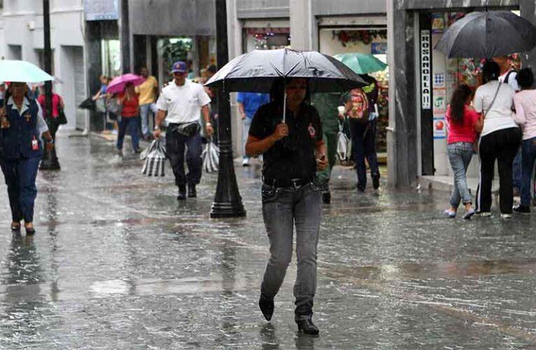 Acueductos, viviendas y comunidades incomunicadas por lluvias que continuarán