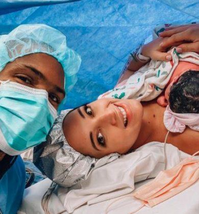 Amelia Vega presenta cuadro anémico tras parto de su cuarto bebé