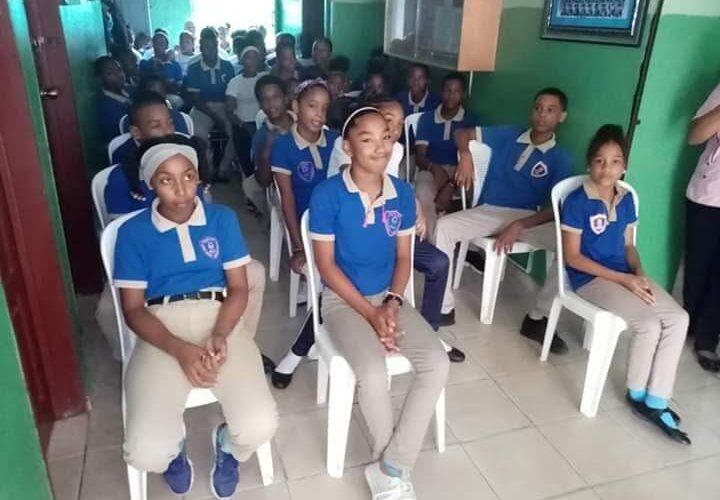 CNE aprueba regreso a las aulas voluntario, seguro y gradual para este año escolar
