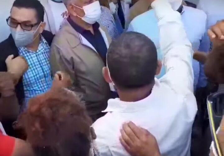 Perremeístas fantinenses encaran a Tony Peña Guaba y al senador Ricardo De Los Santos por empleos
