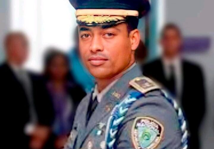 Condenan a dos años a coronel de la Policía que mató a tiros taxista en Hato Mayor