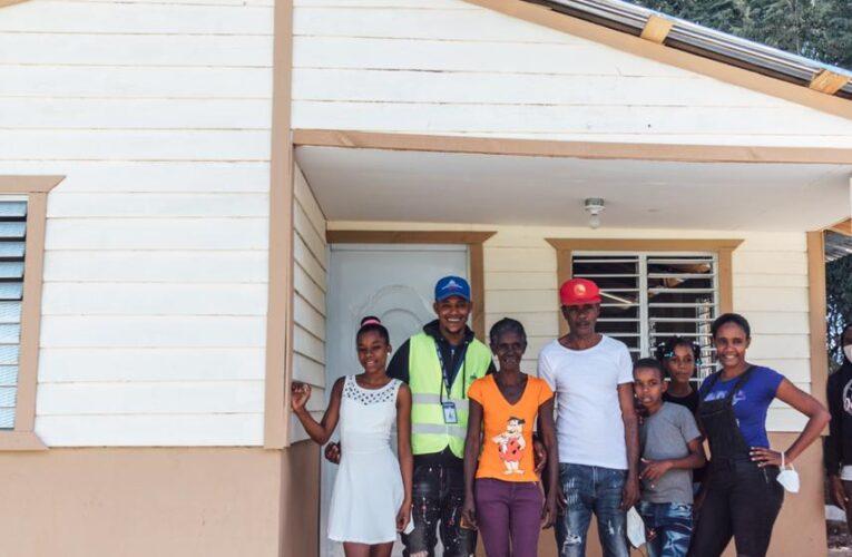 La Vicepresidente y el director del INVI entregan viviendas en SJM